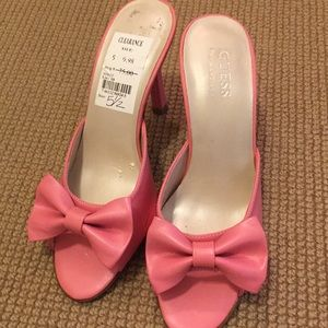 Women's shoes. NWT. Pink heels.